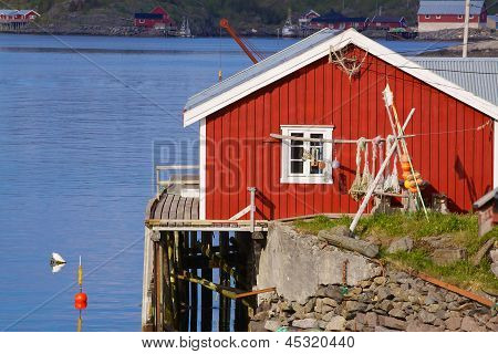 Picturesque Fishing Hut