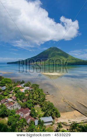 Gunung Api Volcano, Banda Islands, Indonesia