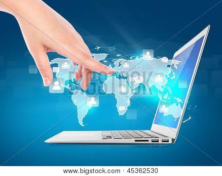 Modernen Laptop mit digitalen virtuelle Bildschirm