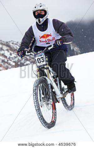 Extreme Winter Mountain Bike Contest