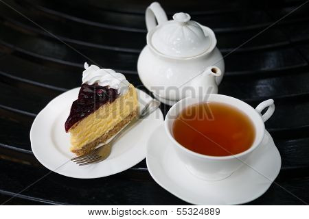 Blueberry Cheese Cake With Tea