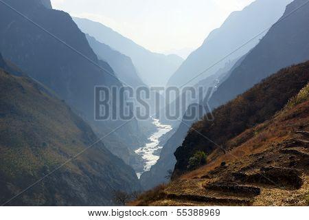 Tiger Leaping Gorge (hutiaoxia) near Lijiang, Yunnan Province, China