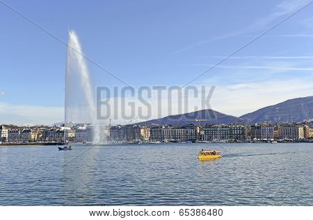 Jet d'Eau Fountain in Lake Geneva, Geneva, Switzerland