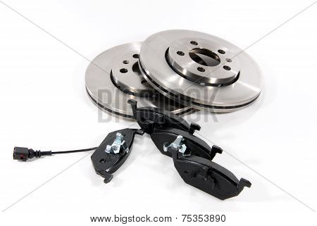 Brake pads and brake discs