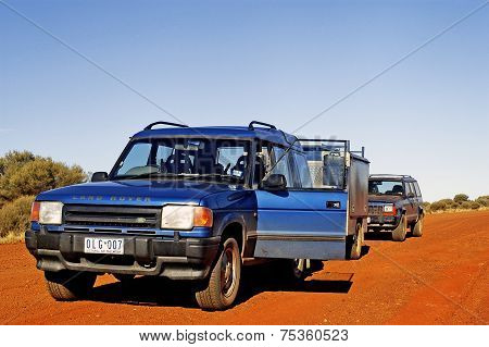 Head And Take The Right Track In The Australian Outback Is Not Easy