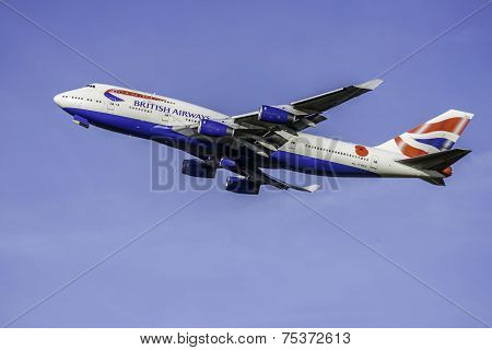British Airways 747 Leaves Heathrow
