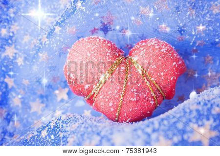 Single Snowbound Red Heart