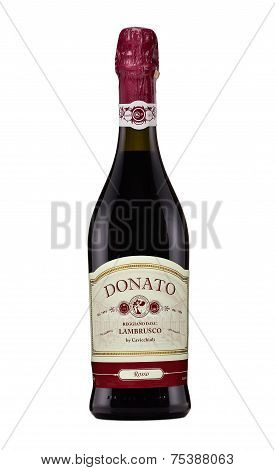 One Bottle Of Red Sparkling Wine Cavicchioli Lambrusco Rosso Dolce