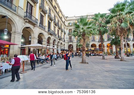 People In Placa Reial Off La Rambla (the Boulevard), Barcelona