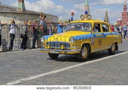 Soviet police retro car Volga GAZ-21