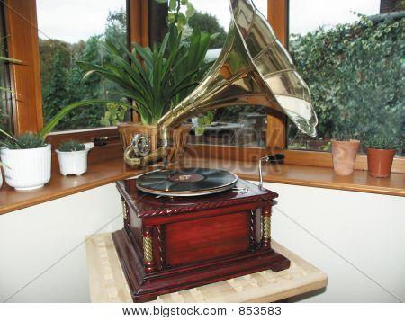 antique wind up gramophone