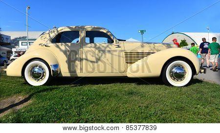 1936 Cord Model 810