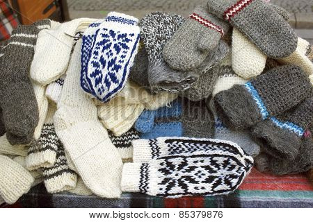 Woolen gloves for severe winter