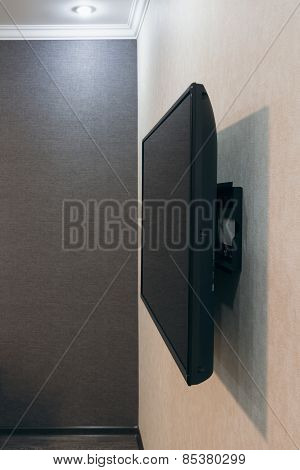 Tv Mounted Onto Wall