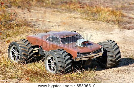 Radio-controlled Car