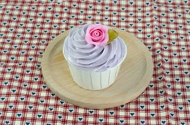 picture of sugarpaste  - sweet dessert cupcakes on white background clearly - JPG