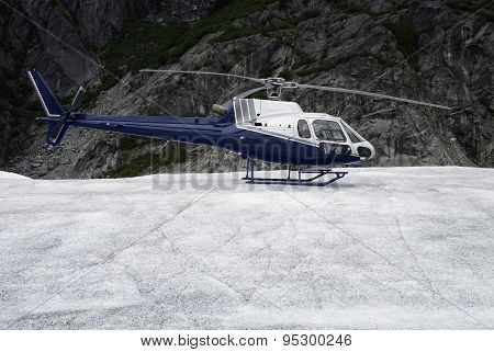 Single-engine helicopter landed on an ice field
