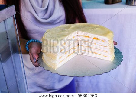 Layered Mango And Cream Cake