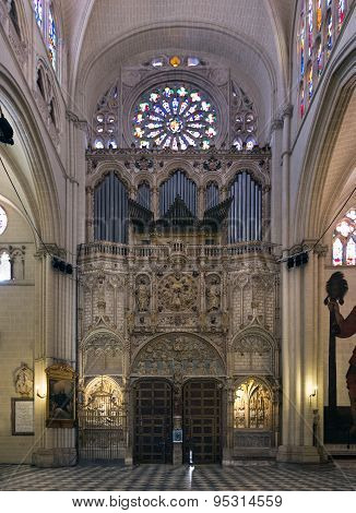 Toledo, Spain - May 19, 2014: Doorway And Church Organ Of Toledo Cathedral