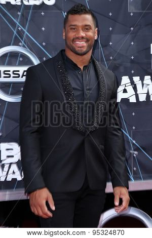 vLOS ANGELES - JUN 28:  Russell Wilson at the 2015 BET Awards - Arrivals at the Microsoft Theater on June 28, 2015 in Los Angeles, CA