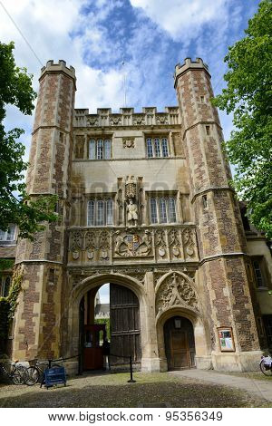 CAMBRIDGE, ENGLAND - MAY 13: Facade of Great Gate Main Entrance to Trinity College Grounds, University of Cambridge, England on May 13, 2015