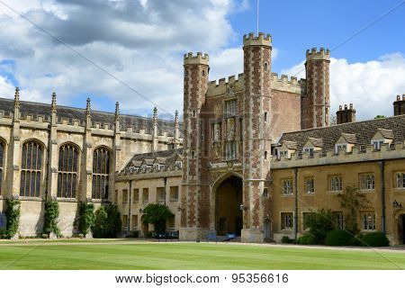 CAMBRIDGE, ENGLAND - MAY 13: The Great gate and chapel at Trinity College, Cambridge University, Cambridge, UK on May 13, 2015