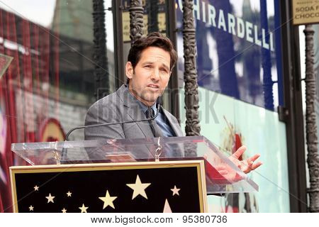 vLOS ANGELES - JUL 1:  Paul Rudd at the Paul Rudd Hollywood Walk of Fame Star Ceremony at the El Capitan Theater Sidewalk on July 1, 2015 in Los Angeles, CA