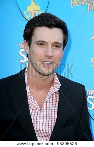 BURBANK - JUNE 25: Drew Roy arrives at the 41st Annual Saturn Awards on Thursday, June 25, 2015 at the Castaway Restaurant in Burbank, CA.