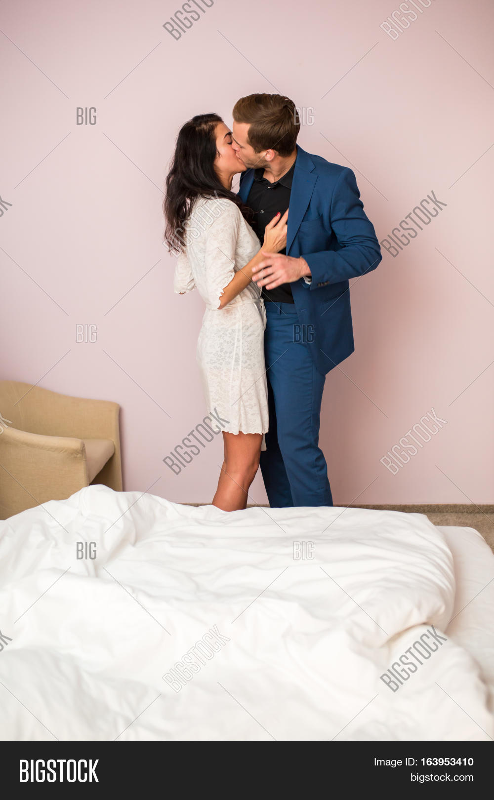 Lovely Couple In Bed Lying In Bedroom Couple Kissing Hugging Bed Bedroom Passion Images Stock Photos