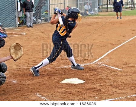 Fastpitch Swing 3