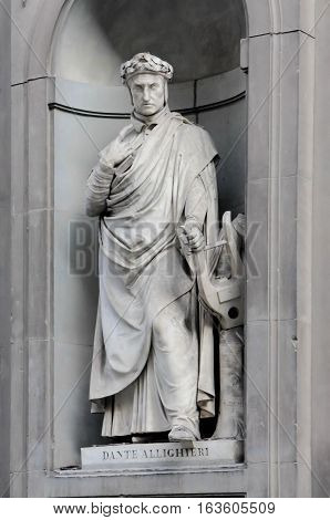 Dante Alighieri In The Niches Of The Uffizi Colonnade, Florence.