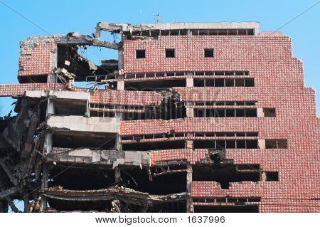 Ruina de la guerra - edificio demolido