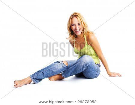 Happy young Woman sitzen auf dem Boden