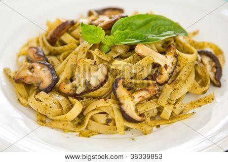 Fettuccini mushroom in Pesto sauce