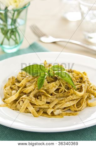 Fettuccine with pesto sauce