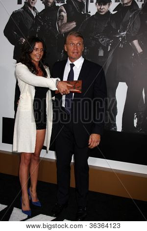Los Angeles - AUG 15:  Dolph Lundgren arrives at the