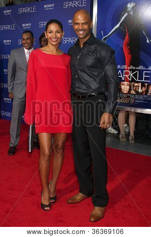 Los Angeles - AUG 16:  Salli Richardson-Whitfield, Dondre T Whitfield arrives at the