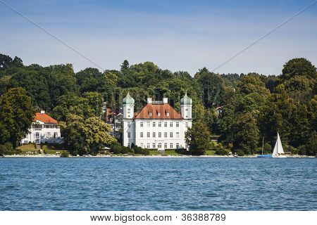 An image of the Pocci Castle at Starnberg lake
