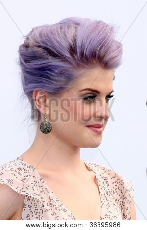 Los Angeles - AUG 19:  Kelly Osbourne arrives at the 2012 Do Something Awards at Barker Hanger on August 19, 2012 in Santa Monica, CA