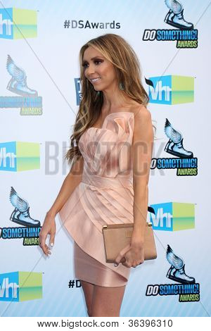 Los Angeles - AUG 19:  Giuliana Rancic arrives at the 2012 Do Something Awards at Barker Hanger on August 19, 2012 in Santa Monica, CA