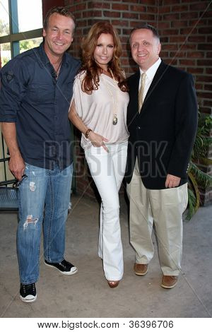 LOS ANGELES - AUG 18:  Doug Davidson, Tracey Bregman, Michael Maloney at the book signing for William Bell Biography at Barnes & Noble on August 18, 2012 in Ventura, CA