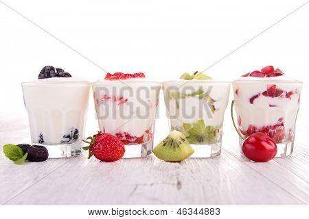 Obst und Joghurt