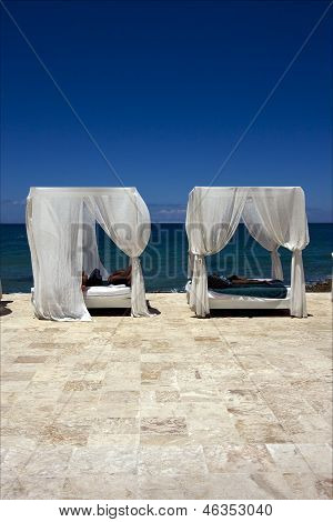 Republica Dominicana Bed Curtain