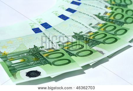 Circle From Euro Bank notes