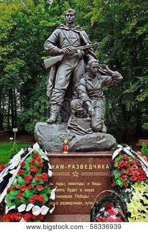 Denkmal für Krieger - Scout. Park des Sieges, Kaliningrad, Russland