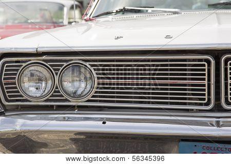 1968 Ford Galaxie Milwaukee faróis do carro de polícia