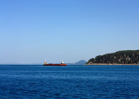 foto of coal barge  - Self - JPG