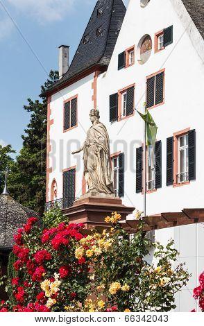 City of Roses Eltville am Rhein, Germany. It lies on the German Timber-Frame Road (Fachwerkstrasse)