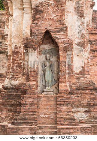 Ruins of Wat Mahathat temple