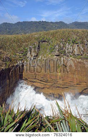 Giant Waves Crash Into The Rocks At Punakaiki New Zealand